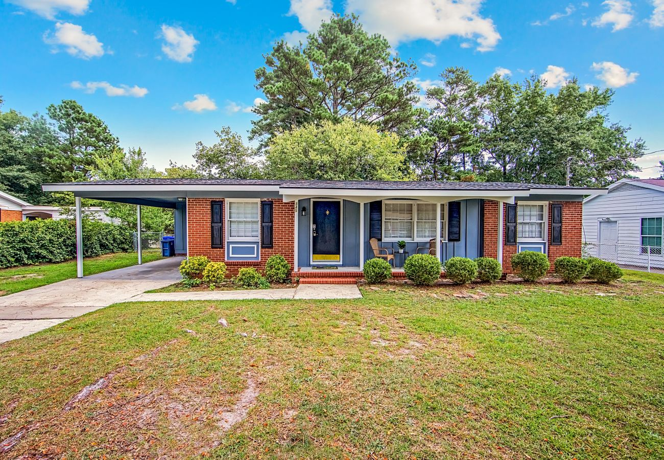 House in Fayetteville - Reilly Road Ranch
