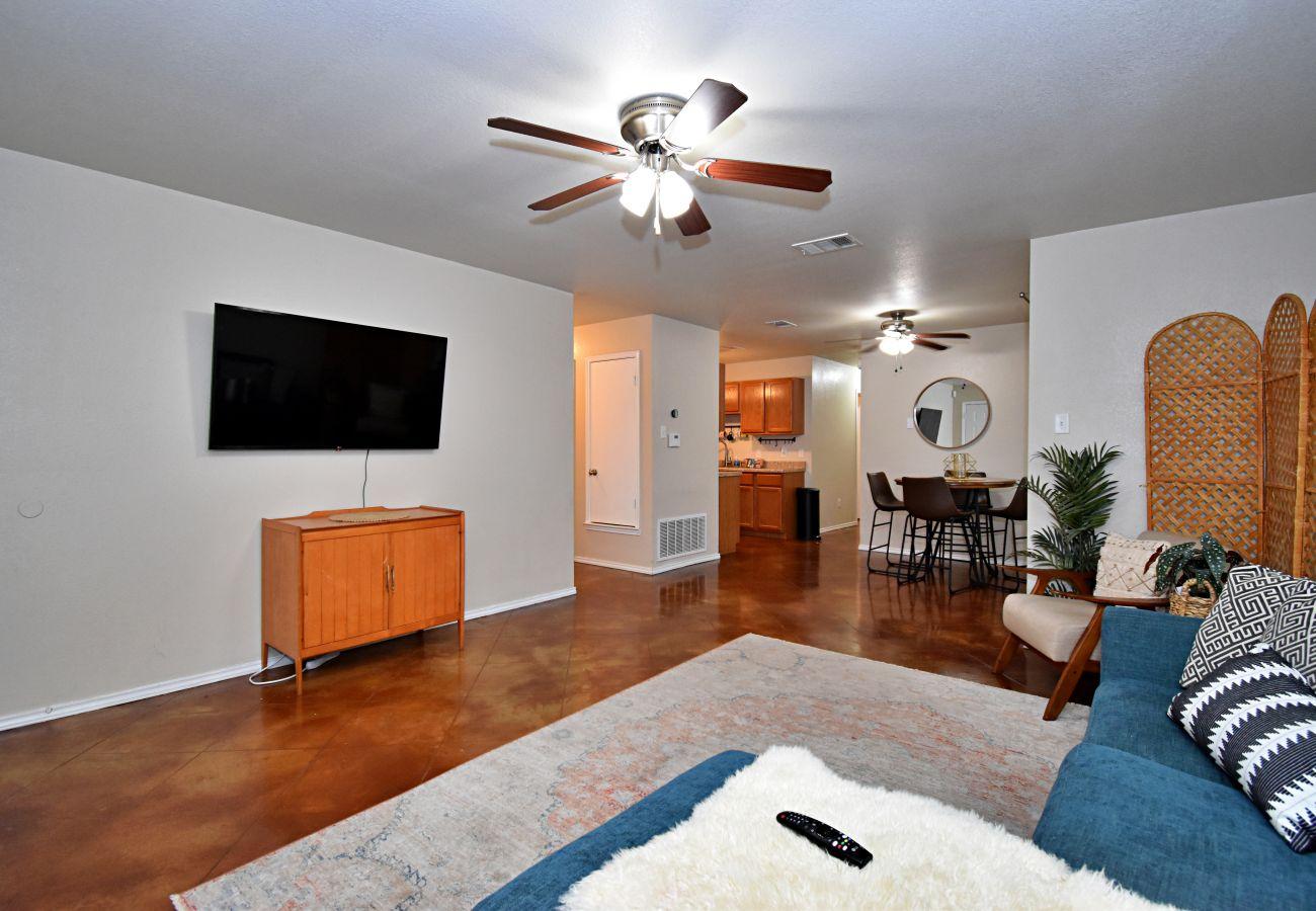 Apartment in Killeen - The Boho Inn