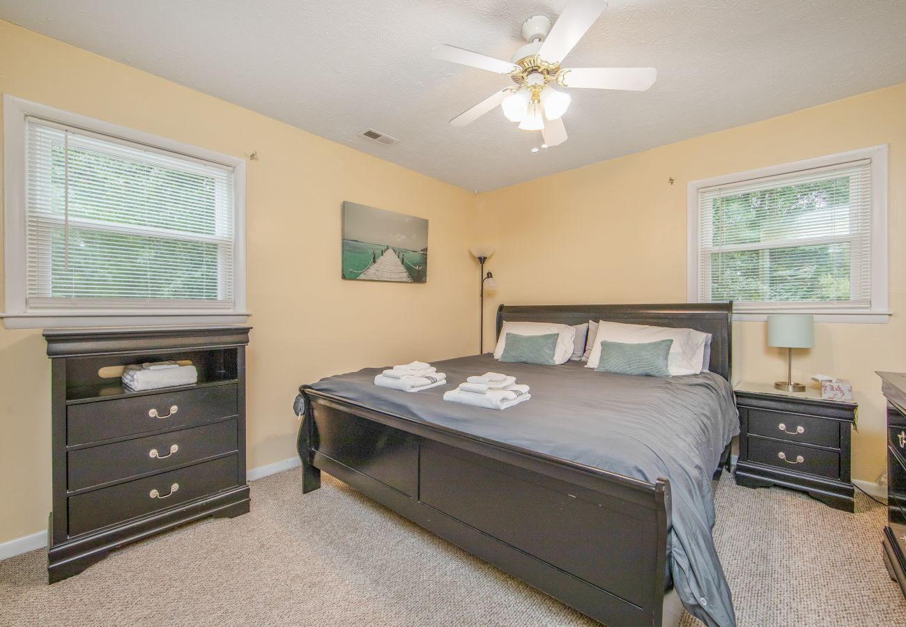 Apartment in Fayetteville - Reilly Road Refuge
